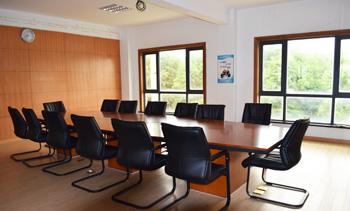 信基公司会议室